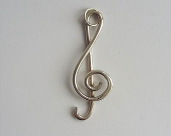 Sterling silver treble clef (without chain) 029