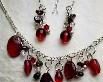 Red glass beads, Garnet chips, Swarovsky crystals