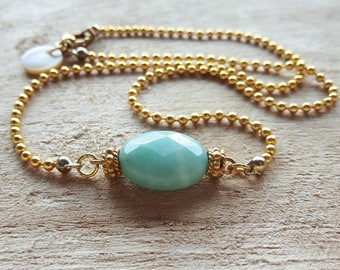 Ball chain necklace with half gem and pearl Nut