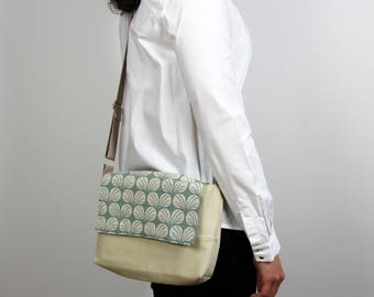 Messenger Bag --> beige + green