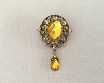 Yellow Rhinestone Brooch.Yellow Crystal Brooch.Yellow pin.antique gold brooch.vintage style.wedding accessory.golden yellow.sunny yellow