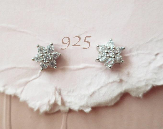 Crystal Snowflake Stud Earrings