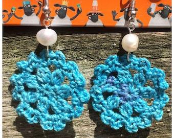 Boho crochet earrings, blue crochet earrings with natural freshwater pearl, bohemian earrings, bohochic, gypsy style