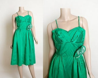 Vintage 1960s Dress - Emerald Green Satin Cocktail Party Dress - Prom Dress - Formal Evening Rose Applique - Holiday Ivy - Small