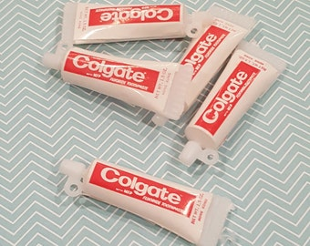 Vintage Plastic Toothpaste Charms (10) Cupcake Cake Toppers Miniatures Gumball Charm Vintage Charms for Jewelry Dentist Retro Dime Store