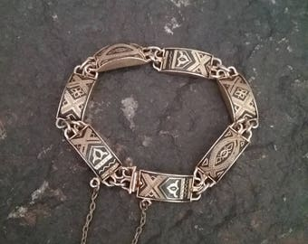Vintage Bracelet, Gold Tone Bracelet, Black Etched Bracelet, Fashion Bracelet, Vintage Gold Bracelet, Vintage Jewelry, Gold and Black Bracel