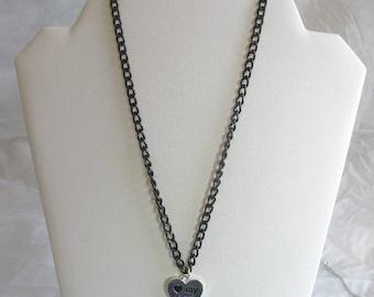Love my dog-pawprint charm necklace