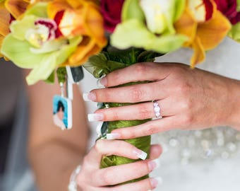 A Memory Photo Charm for your bouquet on your wedding day