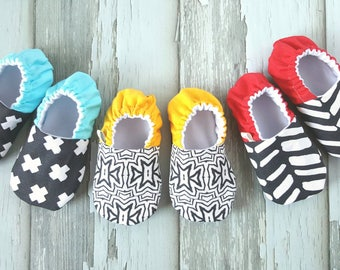 Pop! Mini-Collection Baby Moccs / Baby Shoes / Baby Moccasins / Soft Sole Shoes / Montessori Shoes / Waldorf / Vegan Moccs / Vegan Moccasins