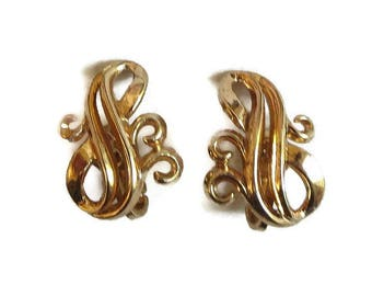 Crown Trifari Abstract Swirl Earrings Vintage 1940s to 1950s Design Pat. Pend.