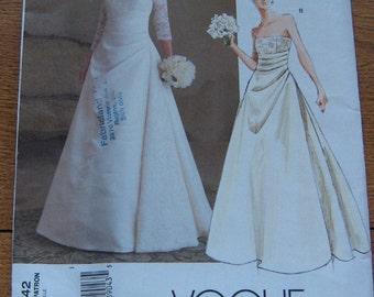 2004 Vogue pattern 2842 Misses wedding dress bridal gown close fitting boned bodice princess seams skirt front drape sz 6-8-10 uncut