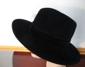 Womens  Hat ~ Black Fedora-Plaza Suite By Betmar Fur Felt Hat Bow Details