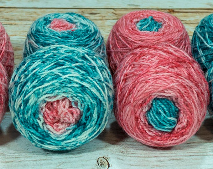 "Fraternal Shorty Sock Twins "" Holly King "" - Llark Handpainted Gradient Speckle Sock Yarn"