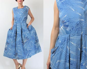1950s Cotton Day Dress African Batik Dutch Java Print Dress Vintage 50s Blue Dress Full Skirt Pockets Retro Sleeveless Dress (M/L) E9080