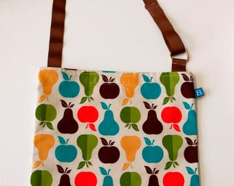Washable, Eco-Friendly Car Trash Bag in Apple and Pear Fabric