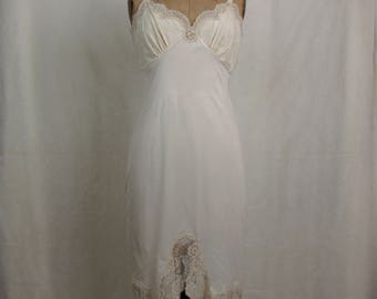 Vintage 1960s Aristocraft Cream Colored Full Nylon Slip ~ Lace Trim ~ 34