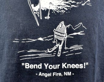 "Funny Ski T-Shirt - ""Bend Your Knees!"", Size Large"