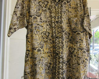 Men's Batik Shirt Indonesian Short Sleeve Summer Shirt Button Front Size Medium to Large Handmade In Indonesia
