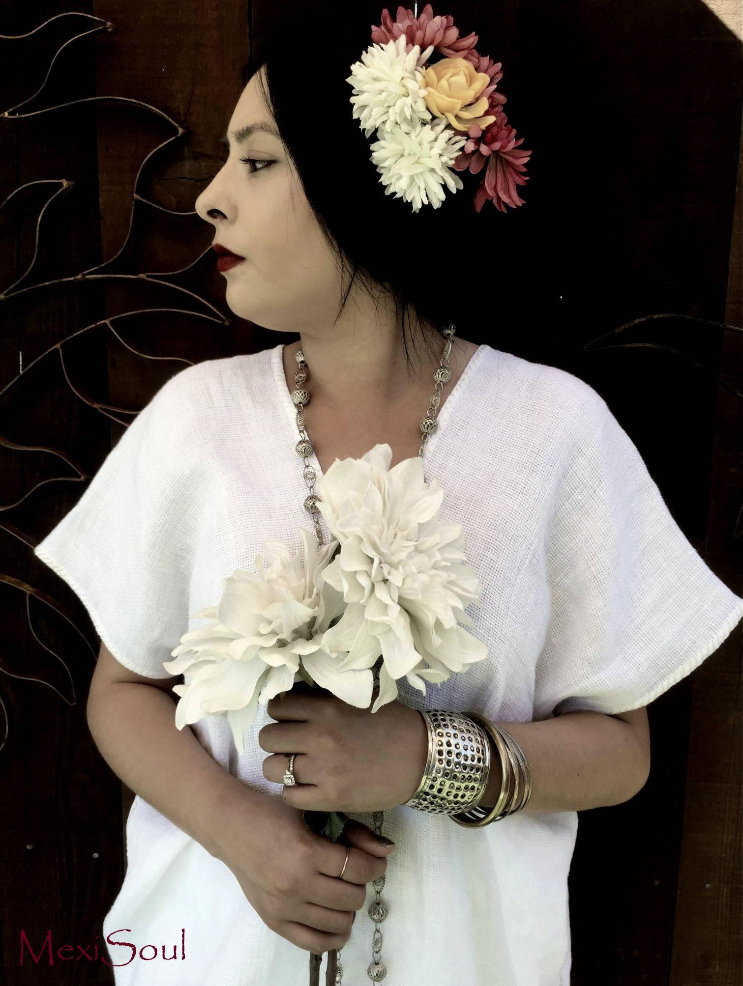 Mexikanischen Huipil Brautkleid weißes Leinen und Tee