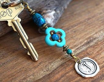 Azurite Stone and Turquoise Keychain Personalized Keychain Initial Wax Seal Geometric Flower Keychain for Mom Dad Friend Gardening Gift Idea