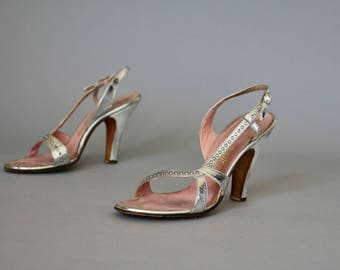 Vintage 1950s Silver Shoes / 1950s Shoes / Silver Heels / 1940s Shoes 1940s Heels Deliso Debs Strappy Rhinestone / Wedding Shoes / Size 7