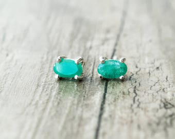 Emerald Tiny Stud Earrings, Green Natural Emerald Gemstone Earrings, Minimalist Sterling Silver Unisex Studs, Everyday Earrings for Men