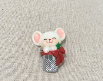 Vintage Hallmark Christmas Mouse In A Thimble Pin