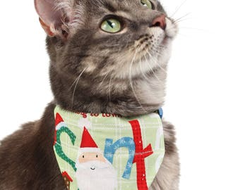 Pet Bandana - Here Comes Santa Claus on Green Plaid - Pet Scarf - Collar Cover - Christmas