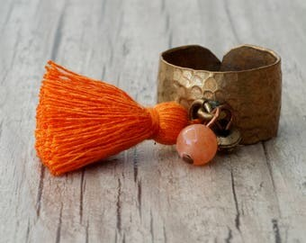 Orange Tassel Dangle Charm Ring, Adjustable Hammered Brass Wide Band Boho Ring, Tassel Jewelry, Orange Jewelry, Modern Statement Ring