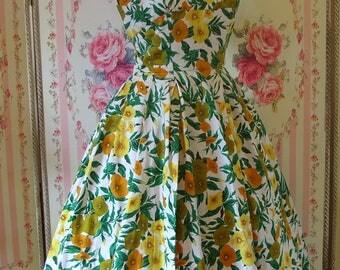 Pretty Vintage 1950s Floral Print Cotton Sun Dress w/ Boned Bodice & Full Skirt XS Extra Small