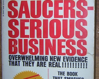 FLYING SAUCERS Serious Business - UFO Evidence - 1966 Vintage Paperback by Frank Edwards