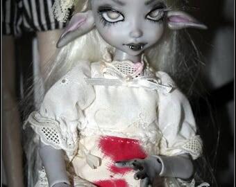 BJD poupée La Vampire (Lotus Twilight Soul,grey skin, oreilles articulées)
