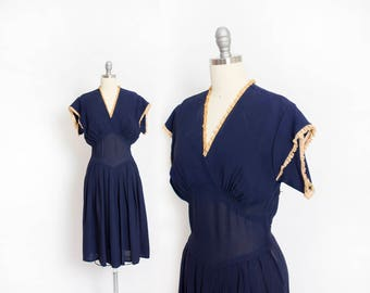 Vintage 1940s Dress - Navy Blue Rayon Pleated Short Sleeve Day Dress 40s - Small
