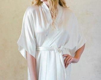 Samantha Silk Robe Bridal Satin Kimono Getting Ready Bridesmaids Robes in Off-white
