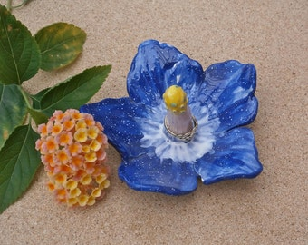 Blue hibiscus ring holder - Blue and white flower ring catcher -  Ceramic ring dish - Handbuilt earthenware jewellery holder