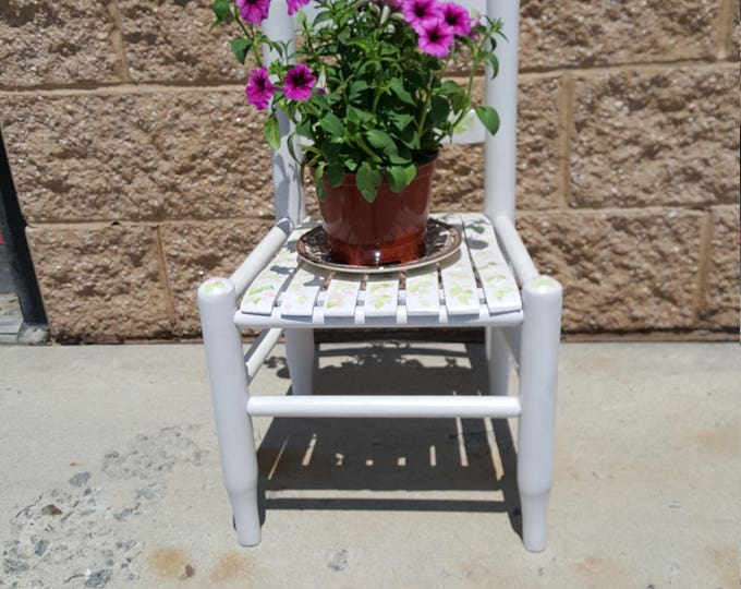 Vintage Painted chair PICK UP ONLY shabby chic, patio, porch,  accent, garden, flowers, vintage, front steps, stairs, outdoor