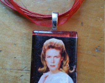 "Bewitched Elizabeth Montgomery Red Cabochon Necklace w/ 18"" ribbon"