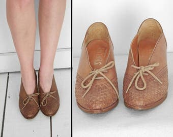 Leather BROGUE Heels 1970s Latinas Brazil Woven Vamp Oxfords Size 6