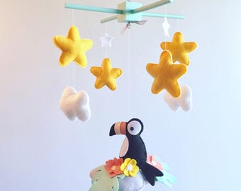Baby mobile - Baby mobile bird - bird mobile - toucan nursery - tropical birds mobile - baby mobile stars