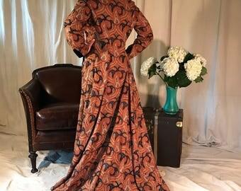 Victorian Paisley House Coat, Jacquard Woven, Black Velvet Accents, Size Large