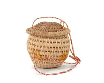 South American Herb Basket Traditional Woven Herb Container with Lid