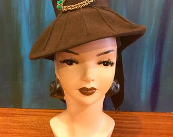 GIRL FRIDAY 1930's 1940's Vintage 1930s 1940s Brown Wool Felt Fedora Tilt Hat w Green Rhinestone Chain Jeweled Brooch & Grosgrain Ribbon