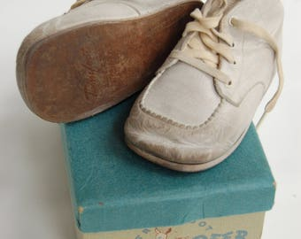 Vintage Leather Baby shoes in box