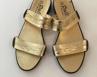Vintage GOLD SANDALS/POOLSLIDES/size 8