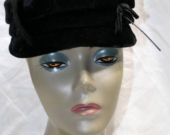 1940s Black Velvet Hat  - Good Condition - Kiplings - Feather Accent