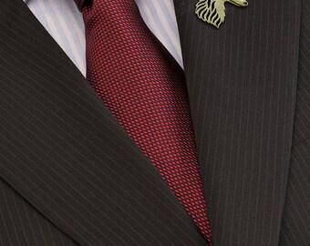 Silken Windhound brooch - Gold