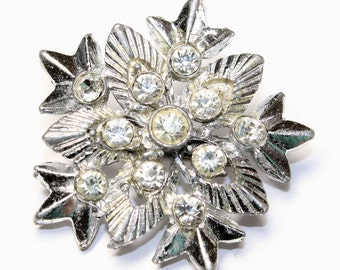 Sparkly Rhinestone Diamante and Silver Coloured Snowflake Vintage Brooch (c1960s)