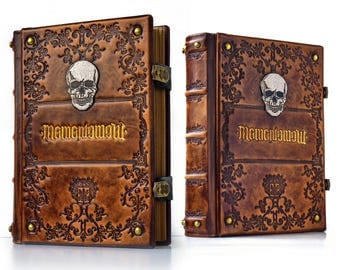 "7.5"" x 10"" - Memento Mori, large leather journal - 600 pages - Skull journal - medieval sketchbook - magician book - gamer handbook"