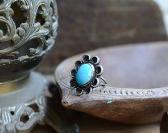 Navajo turquoise flower ring sterling silver vintage Native American boho gypsy chunky