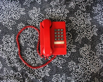 Vintage Working Red Touchtone Home Telephone. Retro 70s or 80s Bright Red Touchtone Northern Telcom Home Phone. Funky 80s Home Decor